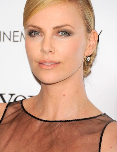 Charlize Theron // Most beautiful woman alive: Charlize Theron, Stars Da, Fifty Shades, Dell Stars, Grey, Delle Stars, Robinson, People, Cast Fifty