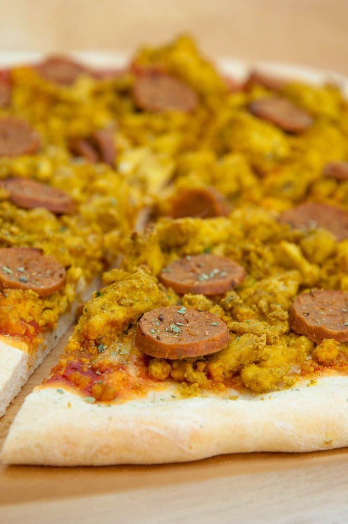 Vegan Breakfast Pizza With Tofu Scramble And Seitan Sausages Vegan Breakfast Pizza E Vegan Breakfast Pizza Recipe Vegan Breakfast Pizza Vegan Recipes Easy
