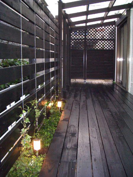 目隠しフェンス / ウッドデッキ / パーゴラ / 照明 / 植栽 Wooden fence / Deck / Pargola / Garden light / Plants