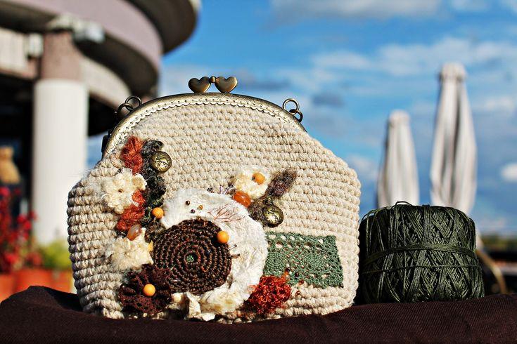 Clasp Bag Mini Crochet Purse Beige Unique Women's