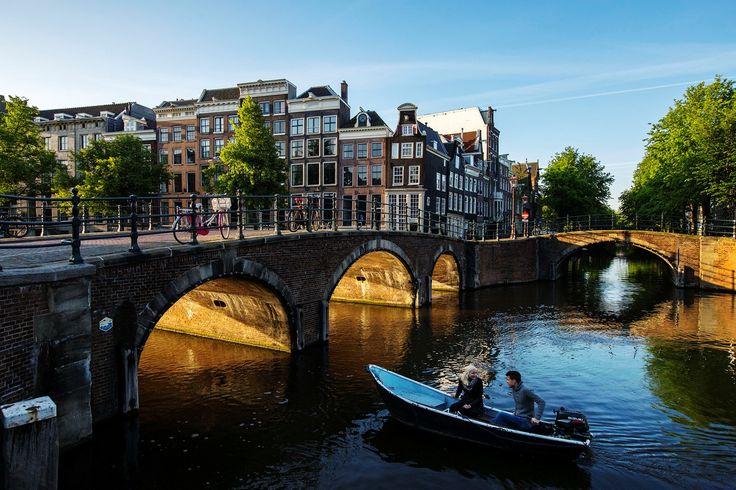 The Amsterdam Canals - MENDO