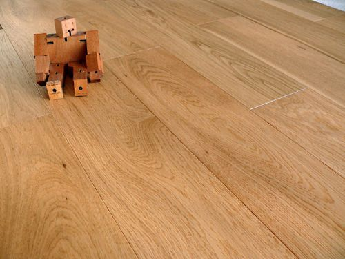 Engineered  Wood Flooring Click System Brushed and Matt Lacquered Oak Sample