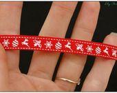 1 mètre de Ruban rouge motif de noël étoile cerf houx 10mm : Rubans ribbon christmas, biais pour bijoux par lilycherry