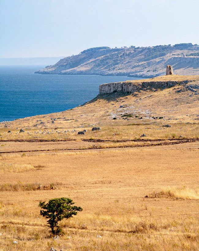 La Costa Adriatica a sud di Otranto, in località Torre Sant'Emiliano