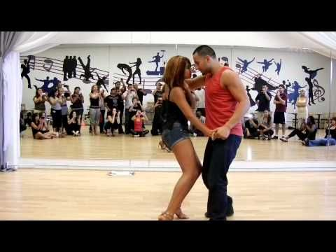 HOW TO DANCE BACHATA: For your Quince/Party! - YouTube