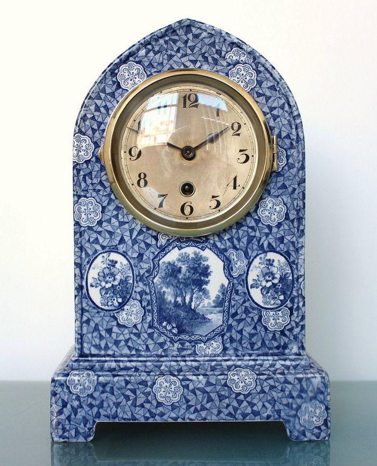 Delft blue ceramic clock shelf mantel dutch