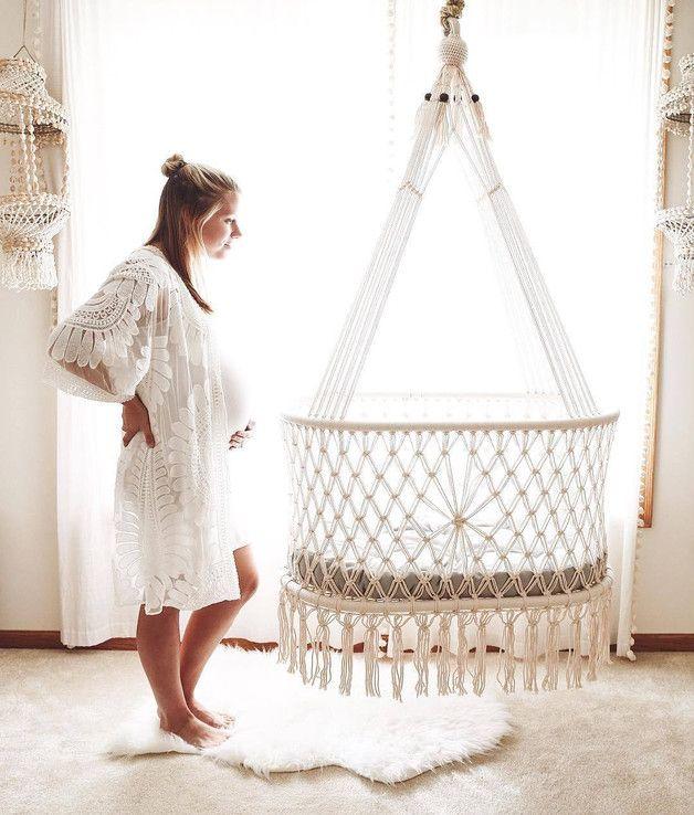 Makramee Wiege mit Matratze und Matratzenbezug – Babymöbel – Baby – Mit Liebe handgemacht in Masaya, Nicaragua von Hang A Hammock Collective | Einhei…