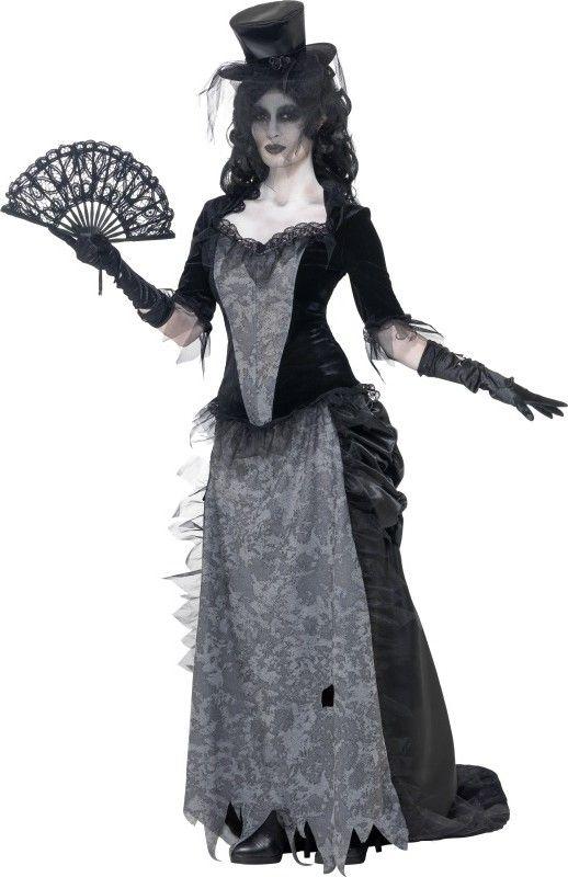 Costume fantasma anni 20 donna Halloween: Questo costume da fantasma anni 20 donna si compone di un vestito con gonna e cappello (ventaglio, guanti e scarpe non incluse).La parte superiore ha le maniche che arrivano fino al gomito di colore...