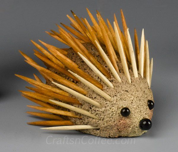 Easy kids craft: How to make an adorable hedgehog from toothpicks, paint, and an egg of STYROFOAM Brand Foam. #KidsCrafts #Hedgehogs