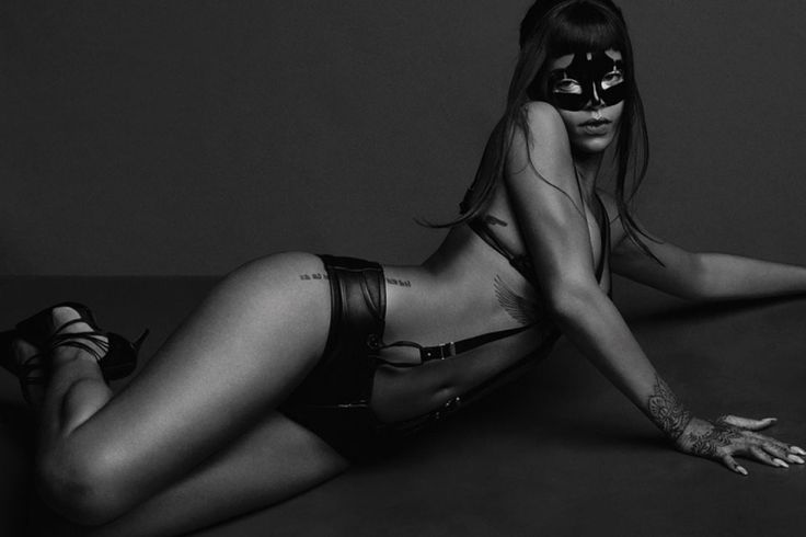 rihanna-for-another-magazine-by-inez-vinoodh