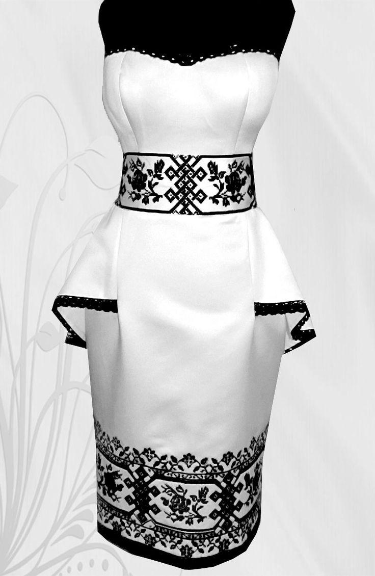 Сукня атласна на корсеті (паляринка) LA - 143