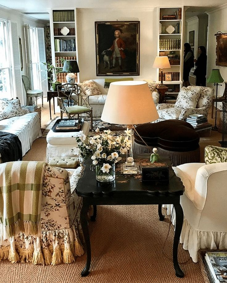 Best Of The Week 9 Instagrammable Living Rooms: Best 25+ Classic Living Room Ideas On Pinterest