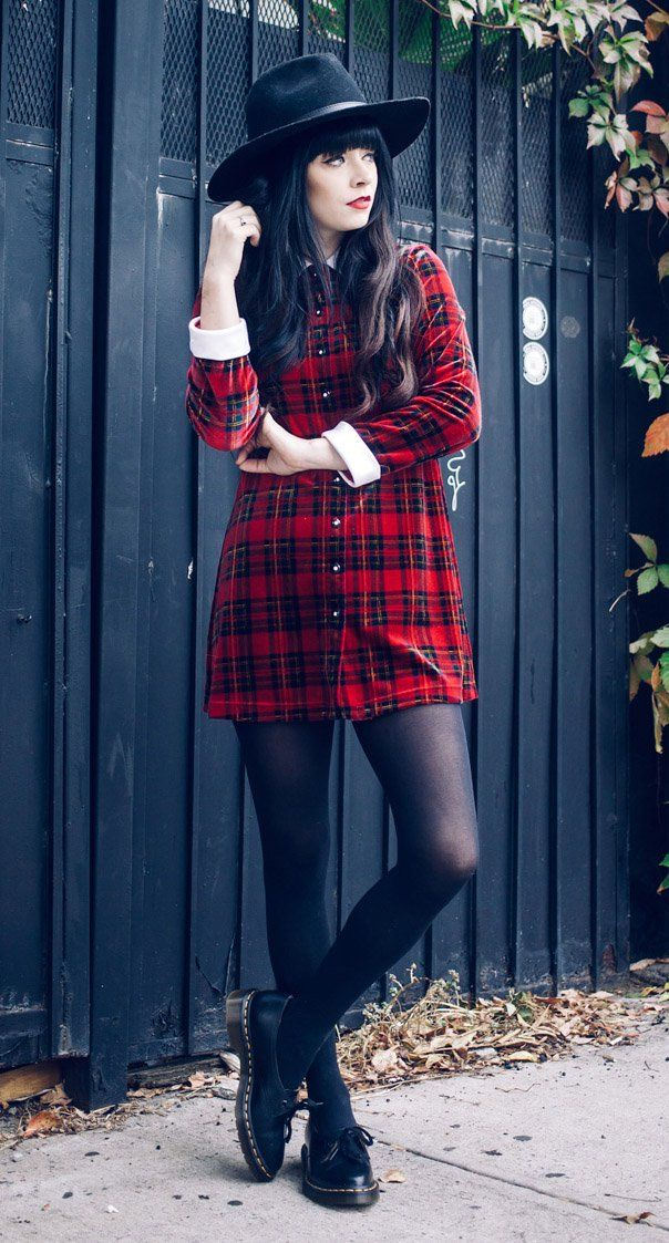 Oversized Fedora Hat, Vintage Plaid Dress & Dr. Martens Siano Shoes - http://ninjacosmico.com/29-grunge-outfit-ideas-fall/