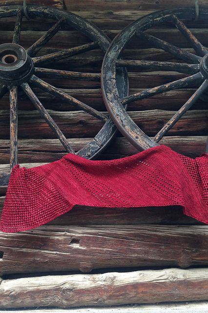 Ravelry: Shine stole with Malabrigo Yarn Rios - knitting pattern by Janina Kallio.