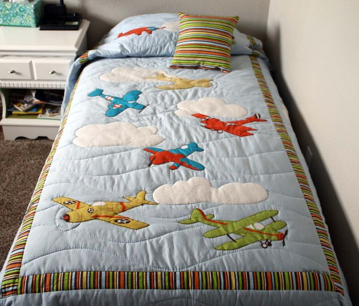 Simple Kids Boys Bedroom With Colorful Line Pattern