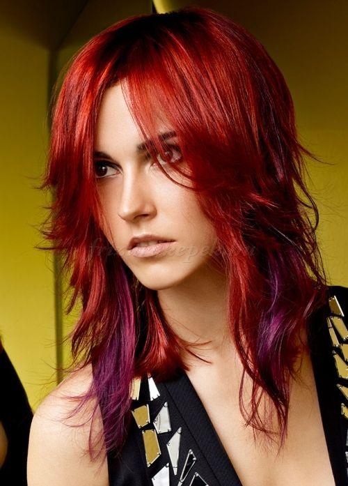 frizurák+hosszú+kiengedett+hajból+-+fokozatosan+vágott+hosszú+haj