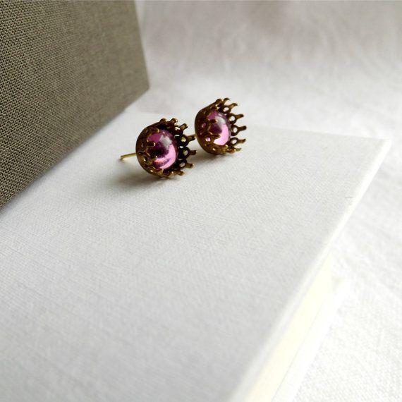 Maud - Subtle Light Amethyst Purple Elegant Regal Crown Gold Victorian Genuine Vintage Ear Studs Earrings Fall Trend Christmas Autumn Gift