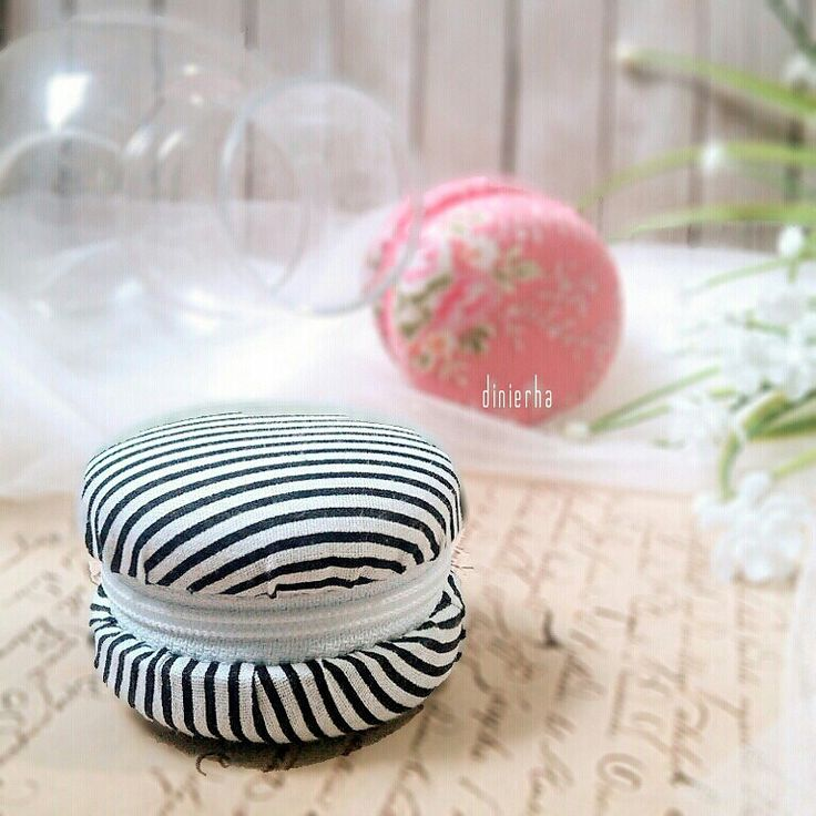Upcycling: macaroon pouch from galon cap. I won the upload kompakan daily theme