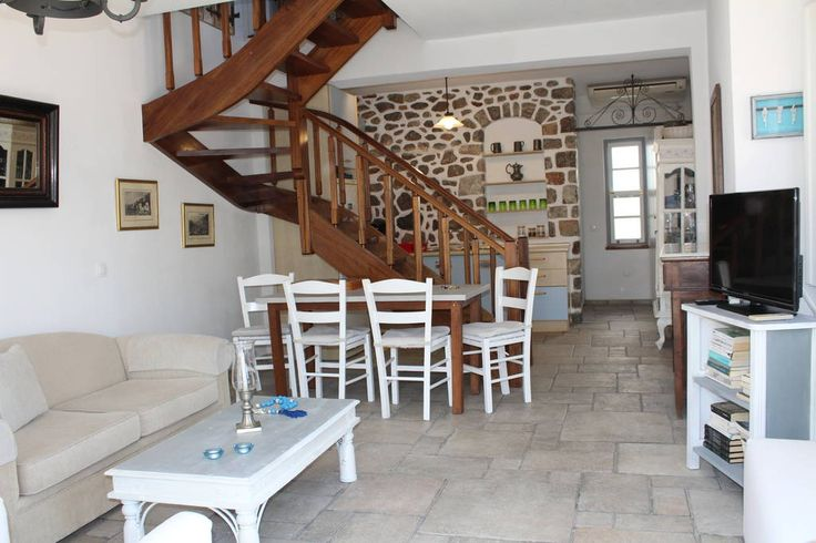 Villa in Ydra, Greece. The Maisonette  is only 250 meters from the port of Hydra on a main, level road with no street steps to climb (other than the 20 shallow steps to the courtyard entrance)  The maisonette is  full of double windows to allow the perfect view .   Priv...