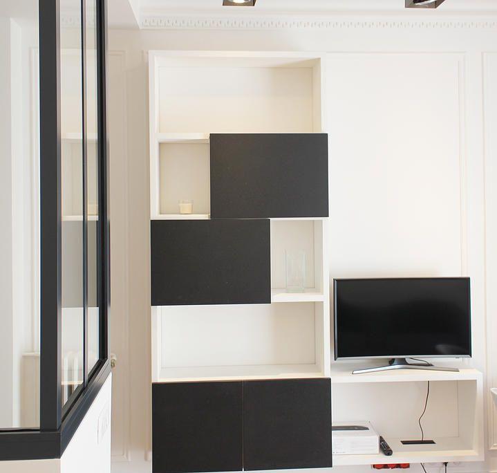 Réhabilitation d'un appartement, 21m², Paris. Conception, conception de mobilier sur-mesure, maitrise d'ouvrage, mobilier, décoration et équipement.  http://www.romainchesnel.com
