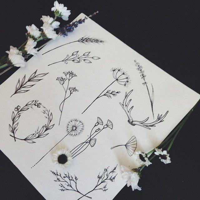 Тату маленькие эскизы цветы