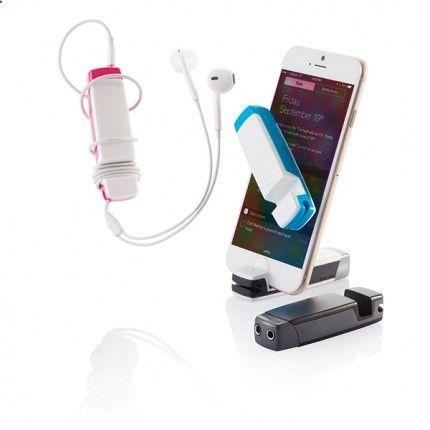 Nieuw in ons assortiment! Deze handige audio multitool bevat diverse functies die het dagelijks leven van een smartphone-bezitter veraangenamen. Deze multitool bevat namelijk: smartphone/iPod standaard, schermreiniger, hoofdtelefoon splitter en een kabelopberger. Dit functionele relatiegeschenk is verkrijgbaar in diverse kleuren en leverbaar vanaf 50 stuks.http://www.premiumgids.nl/gadgets-bedrukken/overige-gadgets/jam-4-in-1-audio-multitool/pg231p326.261/