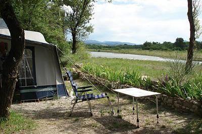 Camping Les Rives de l'Aygues - Drome - Tulette - mooi, groen, aan rivier, goede reviews