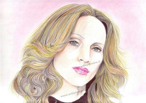 Madonna disegno con matite colorate :)