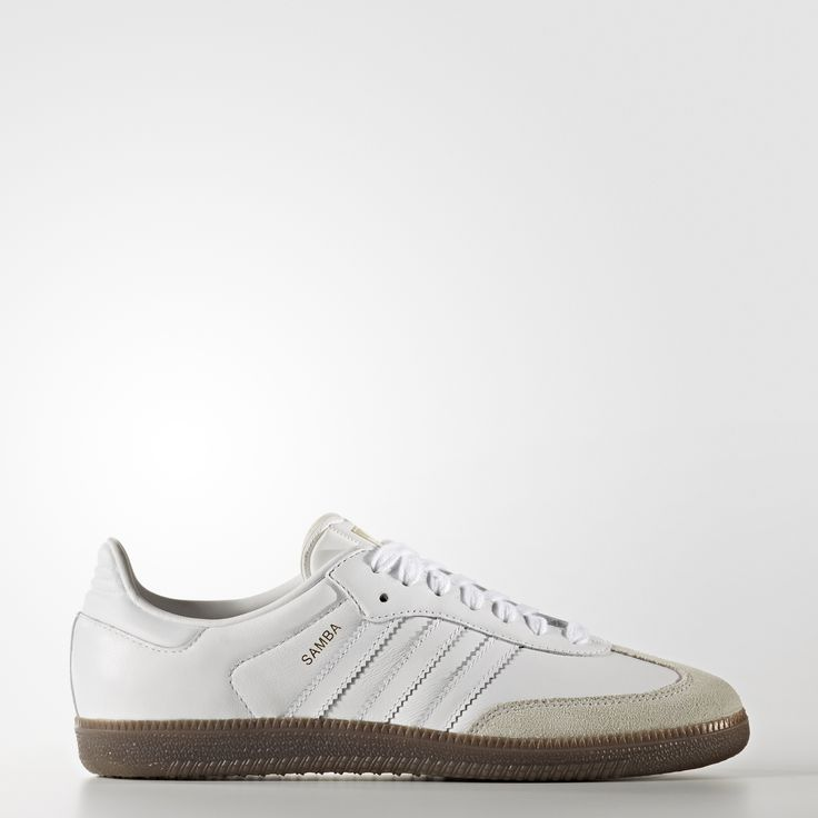 Since its introduction in the '50s and rise to fame on the pitches of the '70s, the Samba has maintained its icon status. These women's shoes take the classic style to the streets in premium leather. The nubuck T-toe, 3-Stripes and gum rubber outsole complete the authentic look.