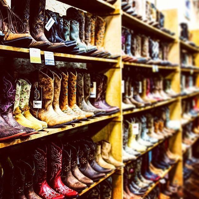 You havent done Nashville right til youre struttin some good old fashioned cowboy boots. Whats your fav Nashville Boot store?? @lucchesse @bettybootsnashville @twooldhippies Boot Country Nashville Boot Company @Frenchsboots...where else??  Tag us struttin your fav cowboy boots during your Nashville vacay! @urbannashvactions  #livenashville #nashville #cowboyboots #cowGIRLboots #packinglist #vacation #tennessee #country #honkytonk #broadway #saturday #boots #nashvilleboots #countrystyle…