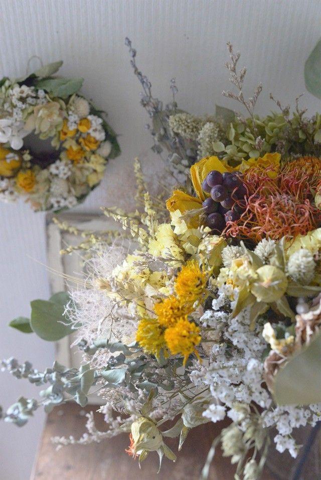 ドライフラワーのブーケとミニリースのセット〜黄色いバラとドライアンドラフォルモーサ〜