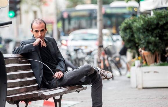 """Livro - Yuval Harari: """"Não sabemos o que ensinar aos jovens pela primeira vez na História"""""""