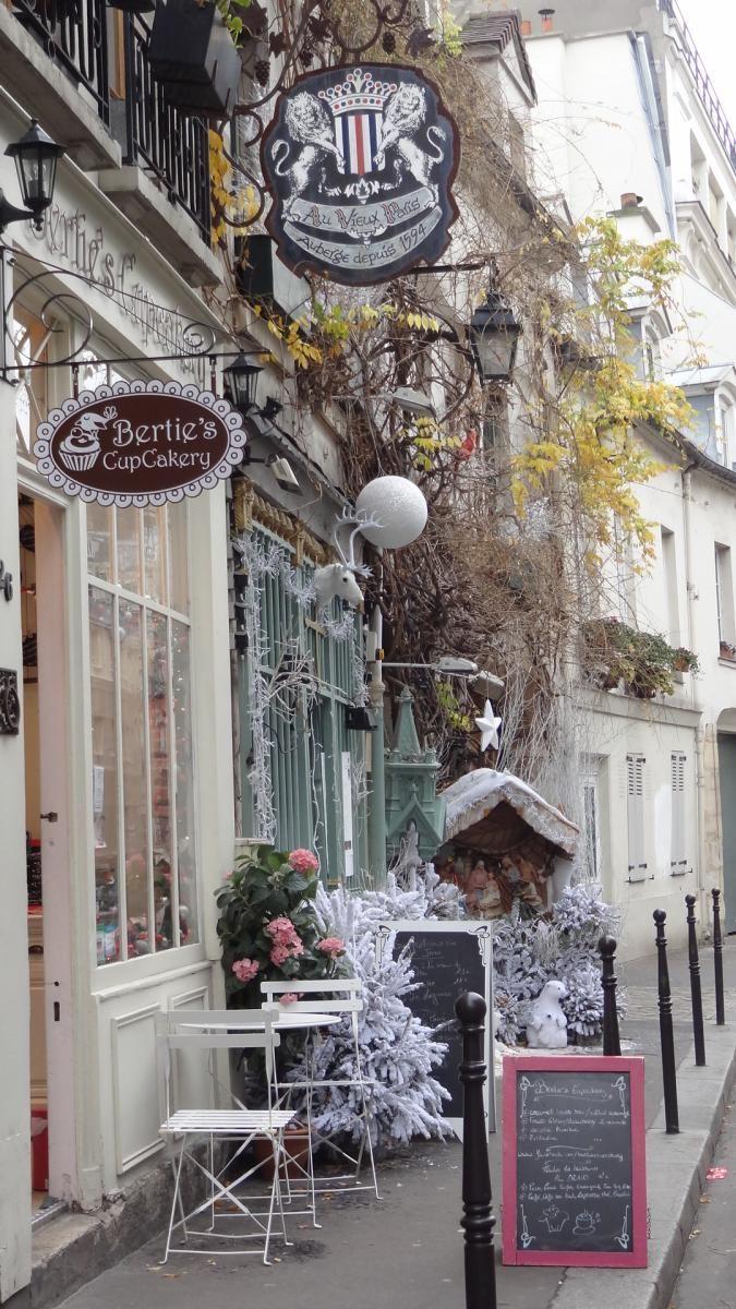 Bertie's-cupcakery-Paris-at Christmas                                                                                                                                                                                 More