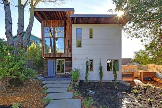 Fachada de casa moderna ecológica