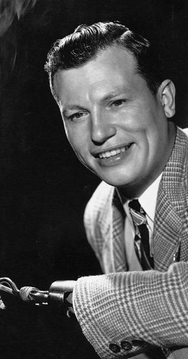 "WWII veteran, Harold Russell Actor: The Best Years of Our Lives. Harold John Russell was born in Nova Scotia in 1914. His family moved to Cambridge Massachusetts when his father died in 1919. He was training paratroopers at Camp MacKall NC on June 6, 1944 when some TNT he was using exploded in his hands. He lost both hands. After receiving hooks, and training on them, he was chosen to make an Army training film called ""Diary Of A Sergeant"". William Wyler saw ..."