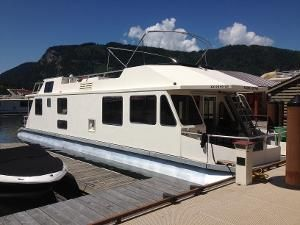 For Sale in Salmon Arm / Canoe
