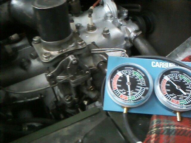 Gaz 67b re-built engine, checking vacuum.