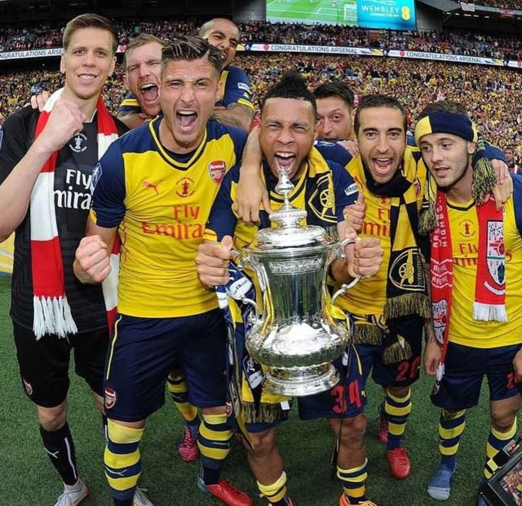 Arsenal after winning the FA Cup Final!!