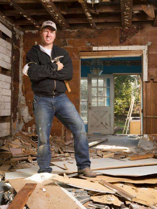 HGTV Chip Gaines has an estimated net worth of 1.5 million dollars.