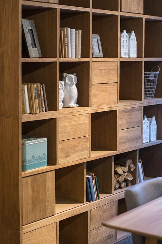 Plantage teakhouten boekenkast Pinksterbloem - zie www.schatkamer.com voor meer informatie!