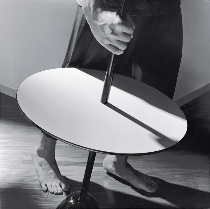 Tavolino Servomuto di @Zanotta | Design: Achille e Pier Giacomo Castiglioni | Anno: 1974 | Materiali: Acciaio e laminato plastico | #design