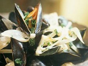 French mussels in white wine recipe