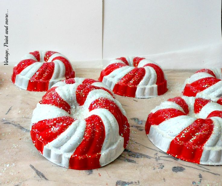 Vintage, Paint and more... Candy Stripe Vintage Jello Mold Wreath