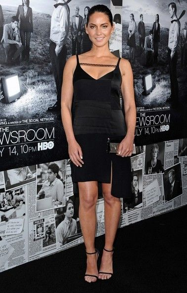 Olivia Munn Photos Photos - Arrivals at 'The Newsroom' Season 2 Premiere at the Paramount Studio in Hollywood on July 10, 2013. Pictured: Olivia Munn. - 'The Newsroom' Season 2 Premiere in Hollywood