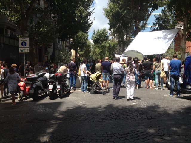VOMERO: SABATO DI CAOS CON SET CINEMATOGRAFICO http://www.napolitoday.it/blog/vomero/vomero-sabato-di-caos-con-set-cinematografico.html