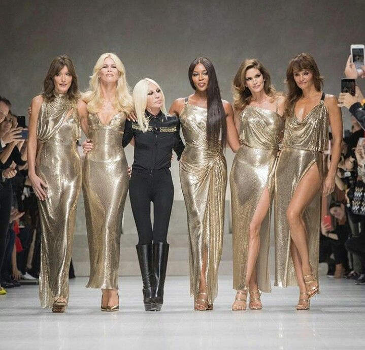 Carla Bruni, Claudia Schiffer, Naomi Campbell, Cindy Crawford and Helena Christensen with Donatella Versace at Versace S/S 2018 show