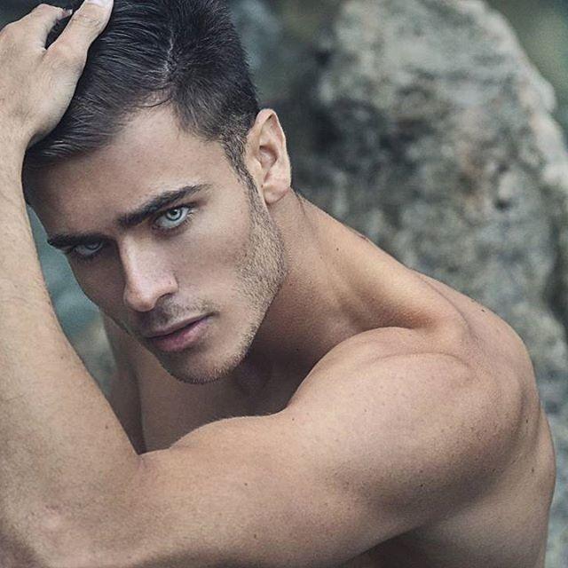 Pin By Prim Rose On Bohemian Body Beautiful Men In 2019