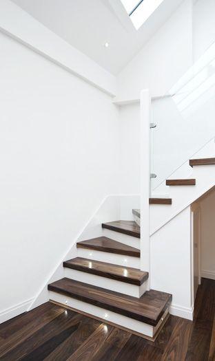 Traprenovatie: Trap Treden, Schilderen, Renoveren, Stofferen, Vloerbedekking, Bekleding, Trappen Renovatie