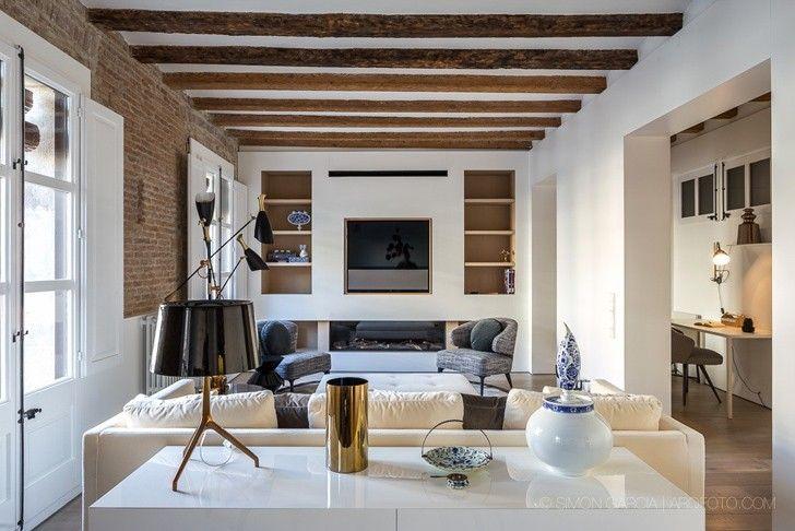 Светлые апартаменты в центре Барселоны