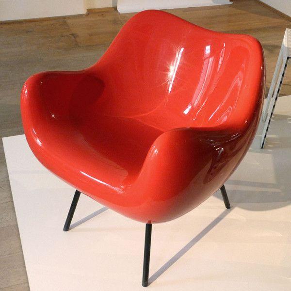 Vzór's production of the iconic RM58 armchair designed by Roman Modzelewski in 1958
